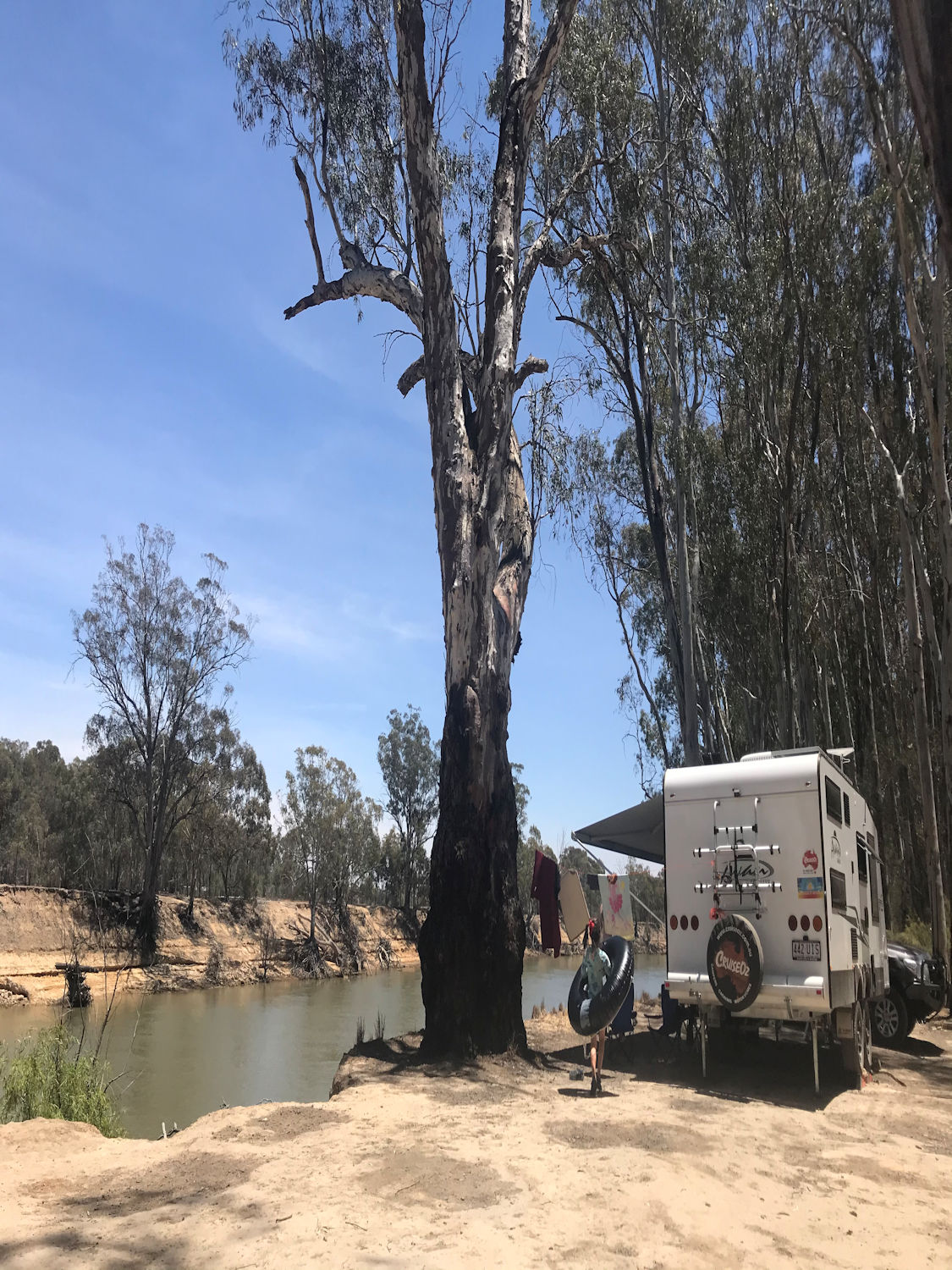 QLD TO VICTORIA – Free camp luck and running out of fuel.